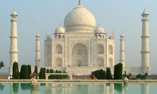 """<h2><a href=""""https://e-kako.geek.hr/drustvo/povijest/kako-je-izgraden-taj-mahal/"""">Kako je izgrađen Taj Mahal?<a href='https://e-kako.geek.hr/drustvo/povijest/kako-je-izgraden-taj-mahal/#comments' class='comments-small'>(0)</a></a></h2>Da Taj Mahal ne postoji, vrlo lako bi mogli povjerovati da je ta priča o njegovoj izgradnji prava bajka. Za Taj Mahal vezana je tužna, ali i vrlo lijepa ljubavna"""