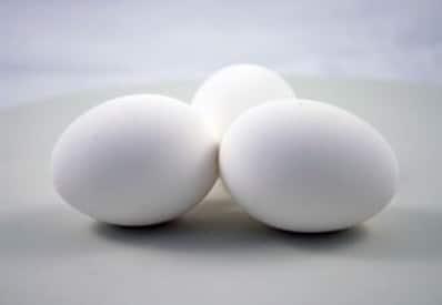 kako-oguliti-kuano-jaje