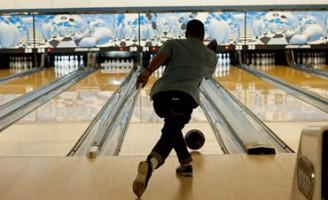 Kako igrati bowling (odabir i bacanje kugle)?
