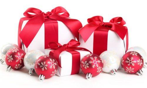 Kako izabrati Božićni poklon za nju?