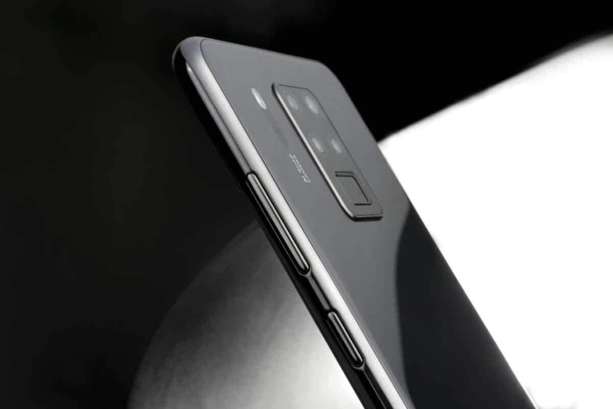 Prodaja OUKITEL C18 Pro mobitela