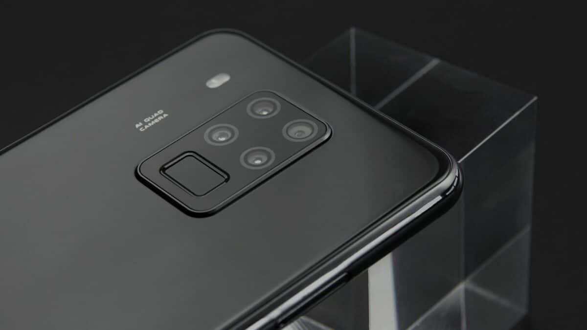 Novi OUKITEL smartphone model C18 Pro