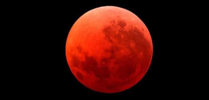 Krvavi mjesec