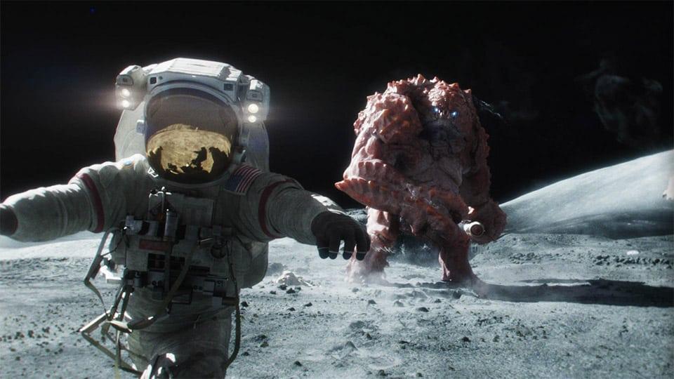 astronaut bjezi od vanzemaljca