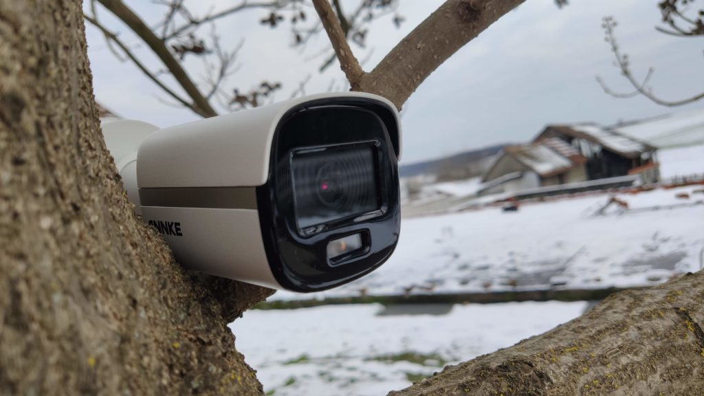 Annke NC400 je nadzorna kamera koja i po noći snima u boji [RECENZIJA]