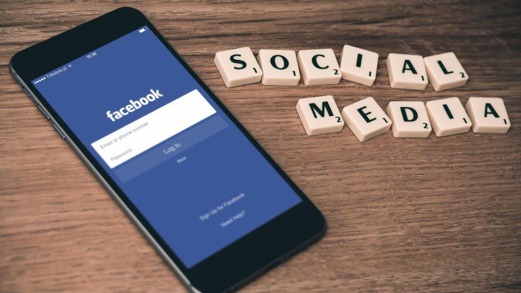Facebook će ograničiti oglase koji ciljaju tinejdžere