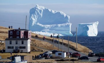 Kanadski gradić postao turistička atrakcija zbog ledenjaka
