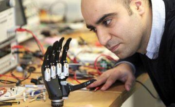 """Razvijena je bionička ruka koja """"vidi"""" objekte"""