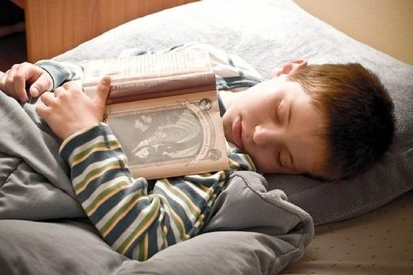 reading_asleep