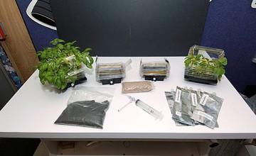 Komore za rast biljaka koje su bile dio eksperimenta na svemirskoj postaji tijekom svemirske misije STS-118. (Credit: NASA)