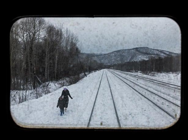 Pogled sa zadnjeg prozora u vlaku Matvei Mudrov (Credit: William Daniels)