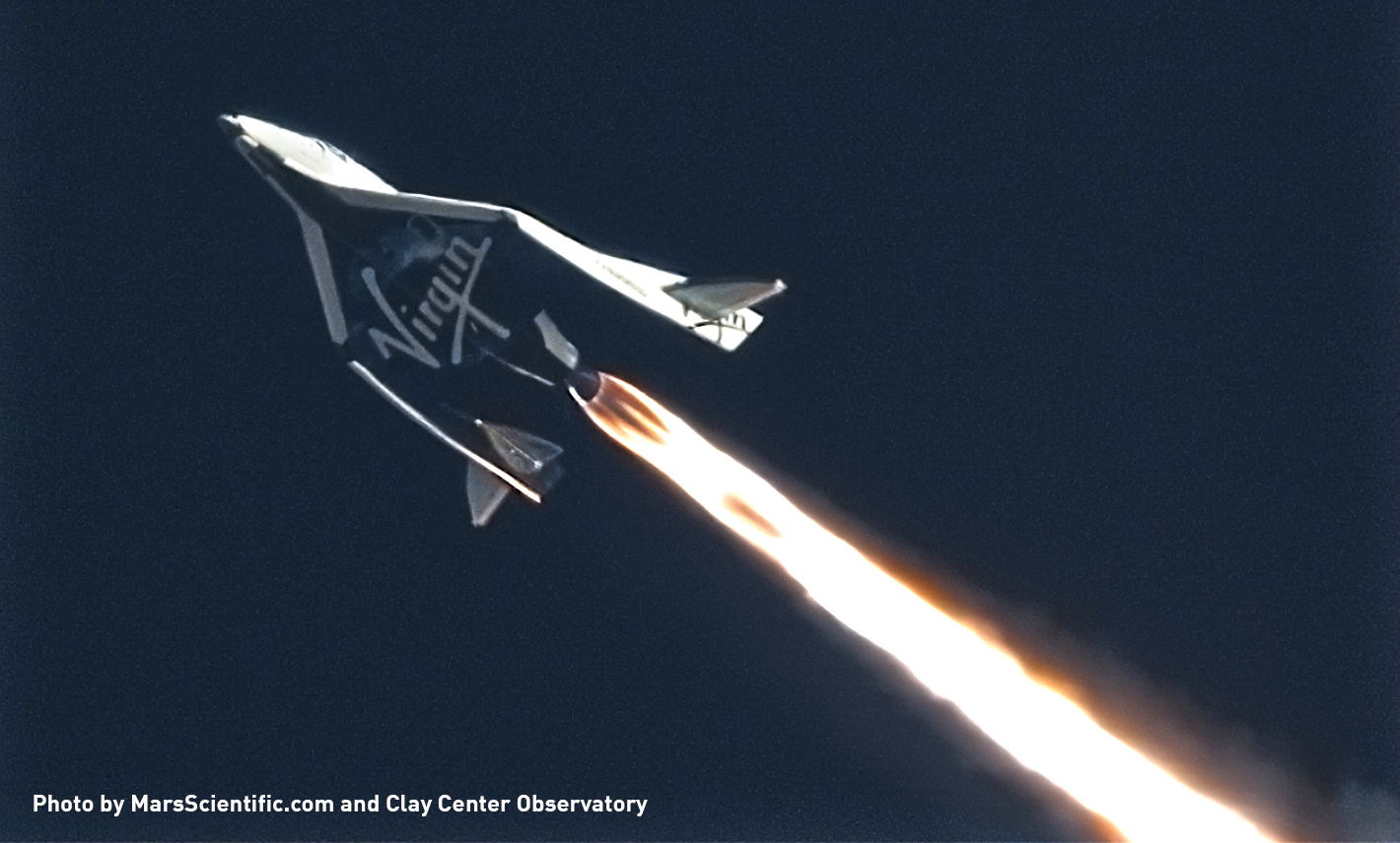 SpaceShipTwo tijekom leta (Credit: MarsScientific.com)