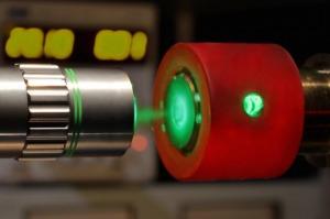 Mikro-fokusirana spektroskopija vodika pomoću dijamantne prese snage 3,25 milijuna atmosfera (FOTO: Philip Dalladay-Simpson i Eugene Gregoryanz