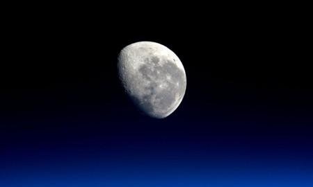 moon-isis-peake
