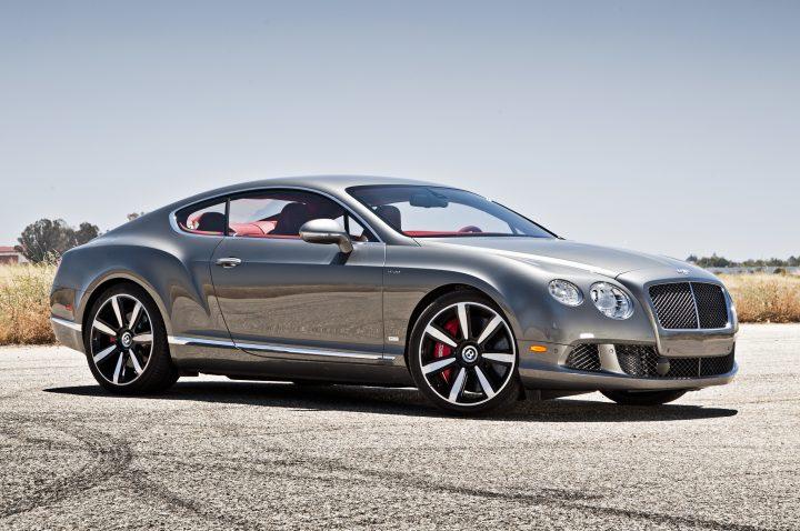 Bentley Continental GT - puno upečatljiviji izbor od Dacie (Credit: motortrend.com)