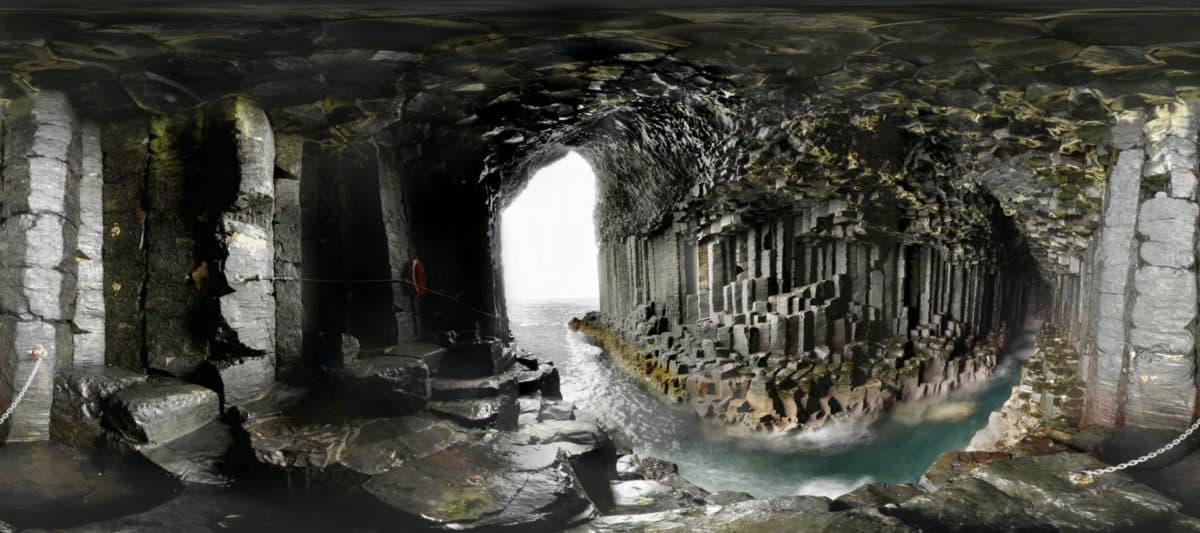 Šetnica u pećini (FOTO: Pintrest, BeautifulPlacesToVisit.com)
