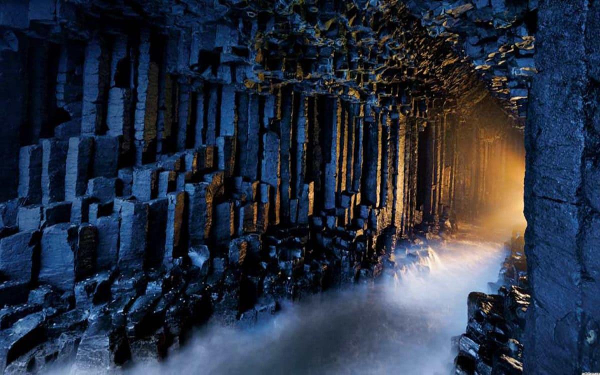 Ne, ovo nije ulaz u Erebor, nego u unutrašnjost Fingalove pećine (FOTO: World of Travel)