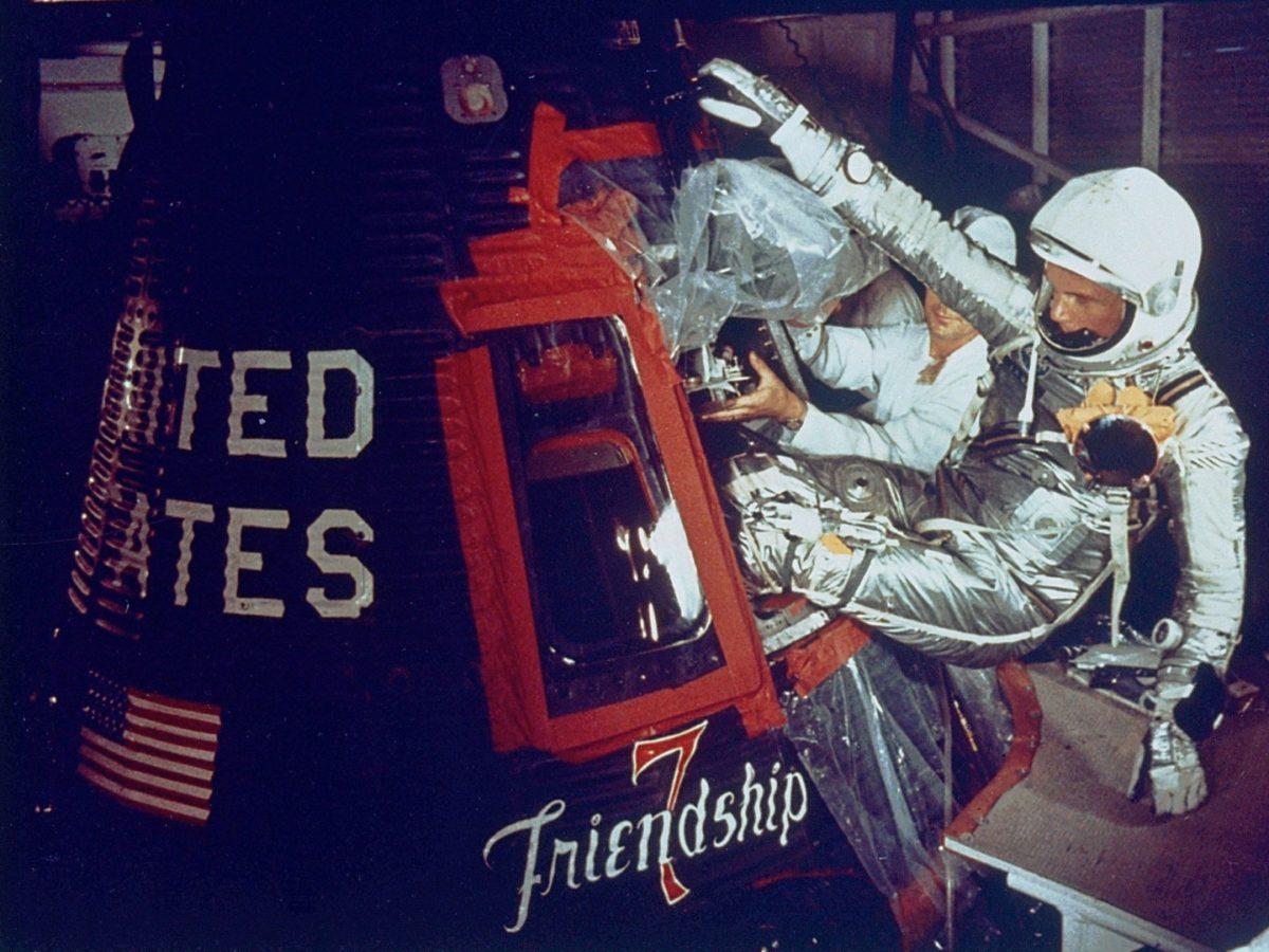 Glenn ulazi u kapsulu Friendshipa 7 (FOTO: NASA)