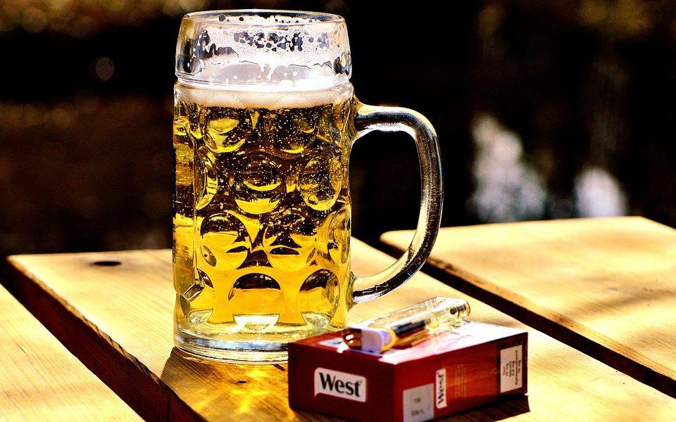 Ljudi imaju više štete od alkohola i cigareta, nego od ilegalnih droga