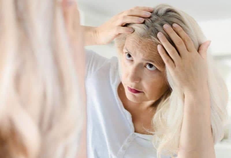 Znanstvenici otkrili zašto kosa posijedi zbog stresa
