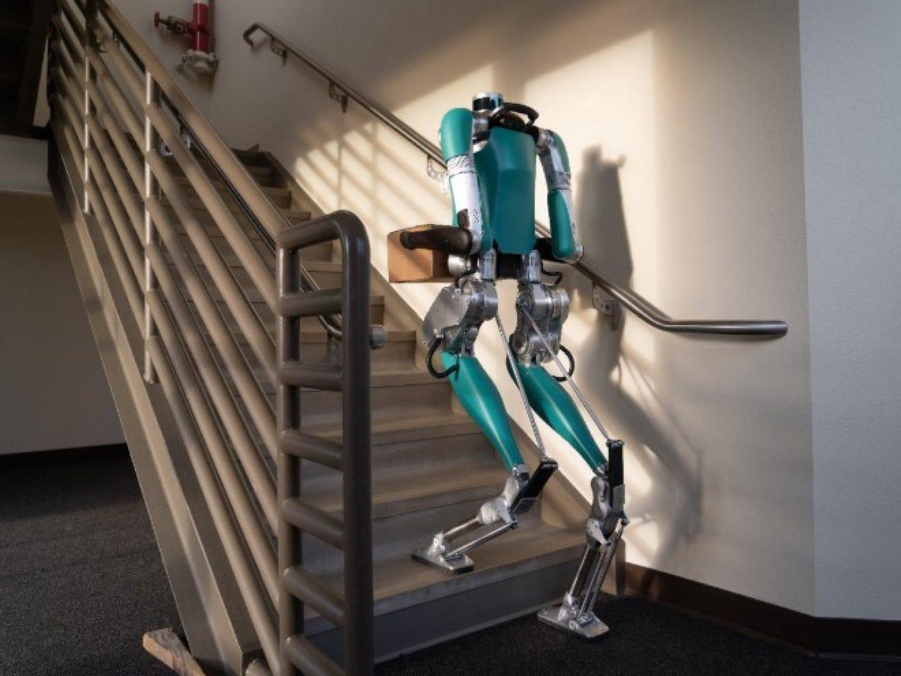 Tvrtka Ford će uskoro početi koristiti čovjekolike robote za dostavu