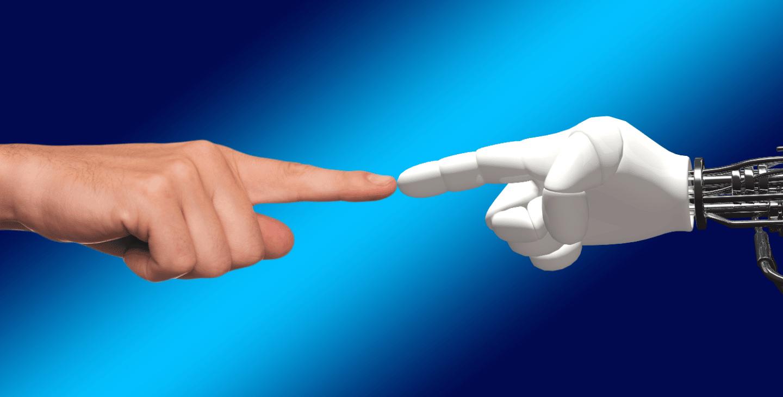 U Kini autonomni robot s dvije ruke spaja žice pod električnim naponom