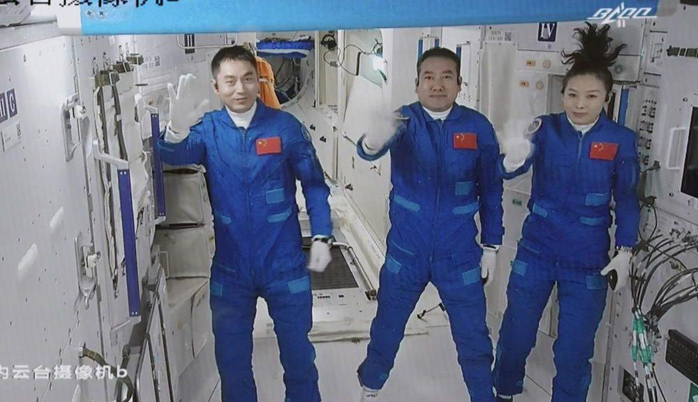 Kineska posada započela misiju na svemirskoj stanici