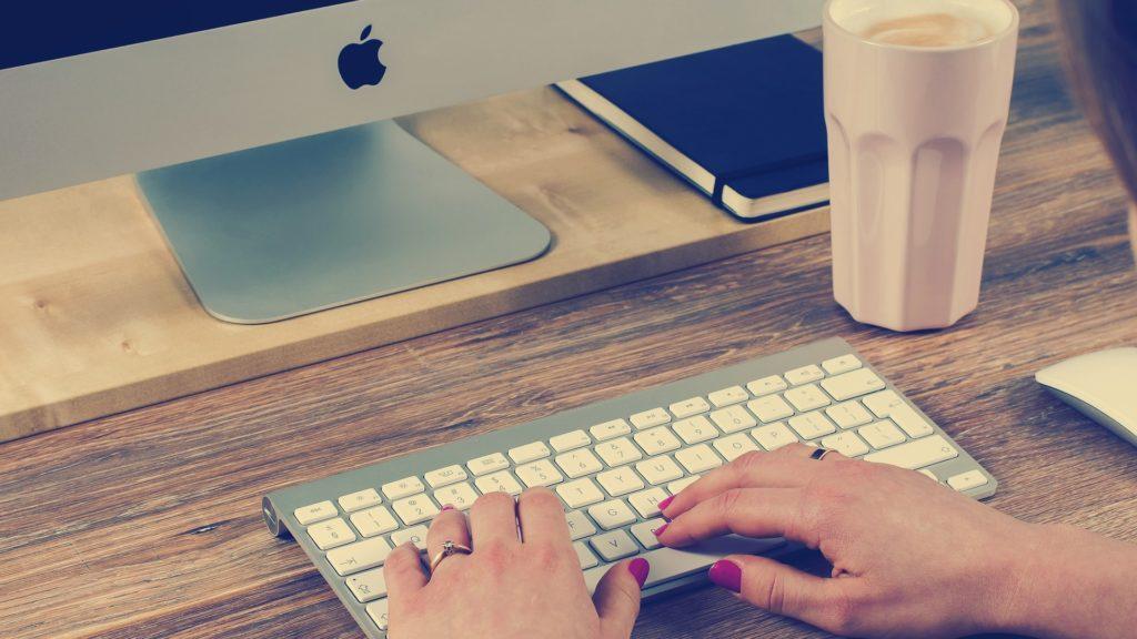 Ima li online psihoterapija više štete ili koristi?