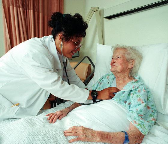 lijecnica sa staricom